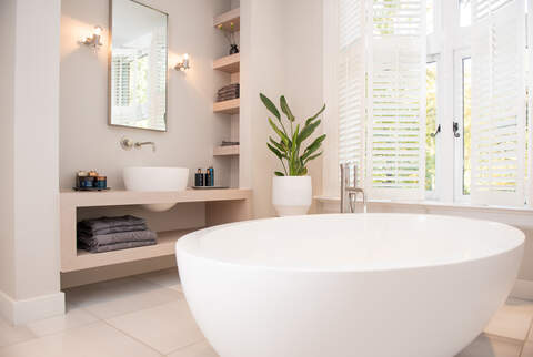Bathroom, Bathtub, Lifestyle, Studio Zelden, Location, Own Crew, Production House